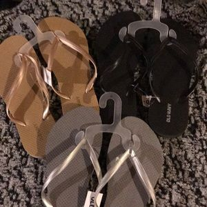 3 pairs of flip flops New with tags